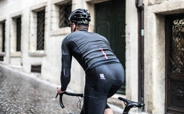 A Spring Classics Kit Guide - What to wear for foul weather cycling
