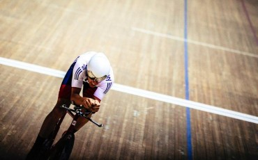 How to get into track cycling
