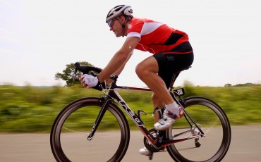 Wiggle staff rider Richard Pearman cycling on road bike