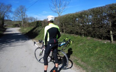 rearward image of Wiggle staff modelling spring clothing